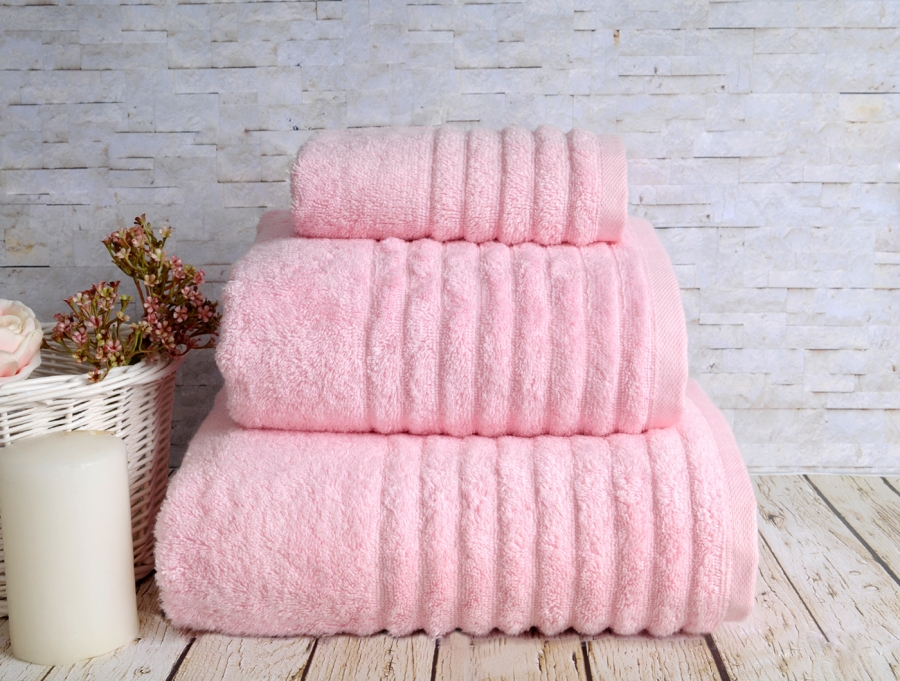 Полотенца IRYA Полотенце Wella Цвет: Розовый (70х130 см) полотенца irya полотенце wella цвет темно коричневый 50х90 см