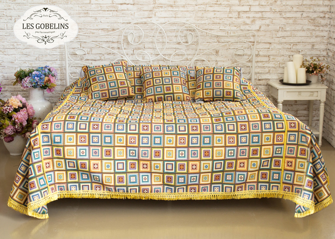 Покрывало Les Gobelins Покрывало на кровать Labyrinthe (220х220 см) желтое покрывало на кровать