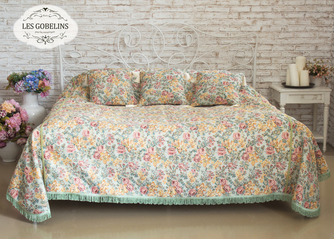 где купить Покрывало Les Gobelins Покрывало на кровать Arrangement De Fleurs (230х220 см) по лучшей цене