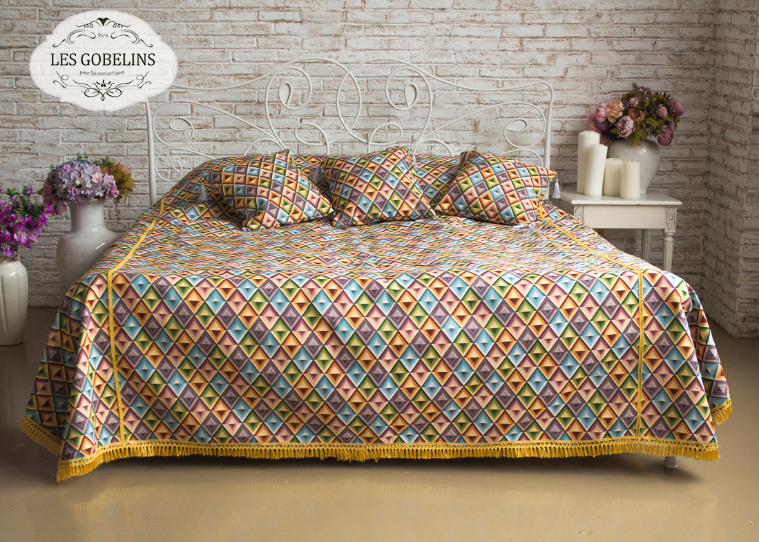 Покрывало Les Gobelins Покрывало на кровать Kaleidoscope (230х230 см) желтое покрывало на кровать