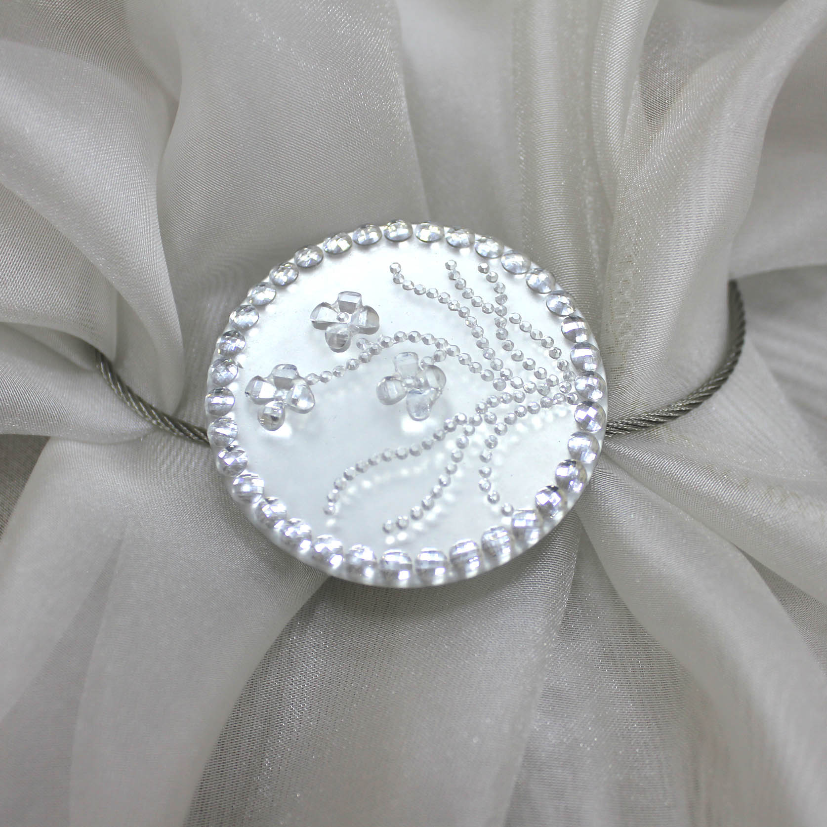 Карнизы и аксессуары для штор Ajur Подхват для штор магнитный Ammon Цвет: Белый карнизы и аксессуары для штор ajur подхват для штор магнитный abott цвет белый