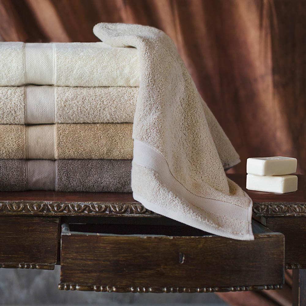 полотенца attendere beige бежевый полотенце банное 50x90 1250279 Полотенца William Roberts Полотенце банное Aberdeen Цвет: Traditional Beige (Светло-Бежевый) (70х140 см)