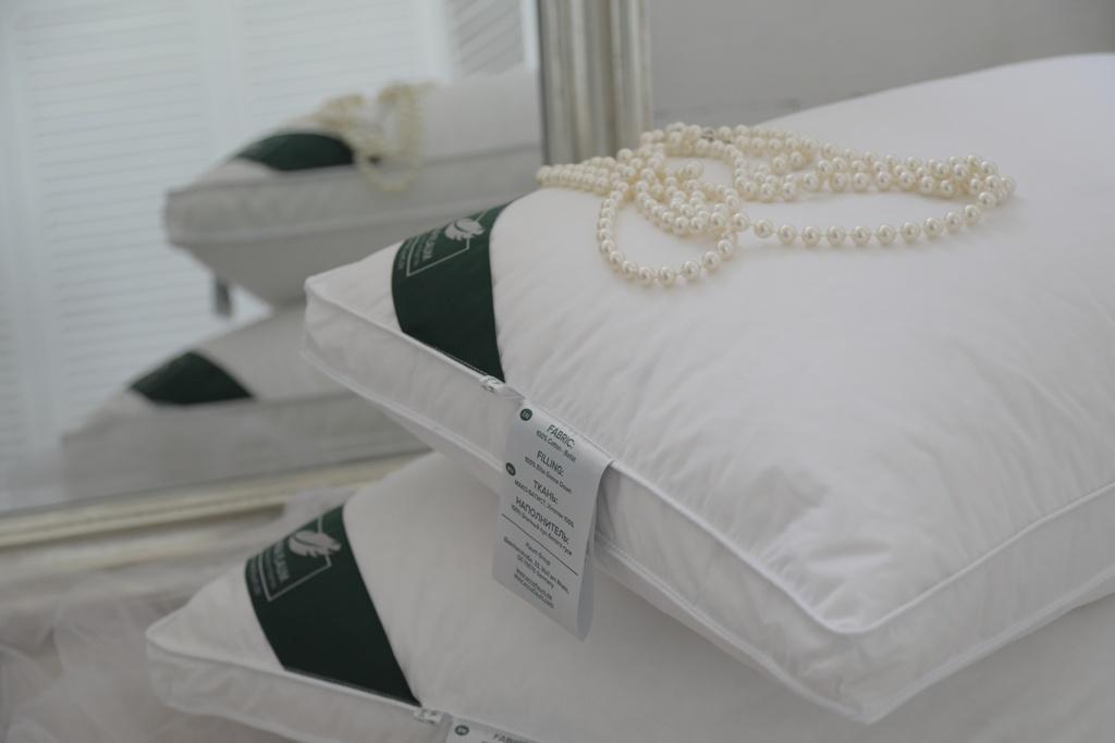Подушки ANNA FLAUM Подушка Perle Упругая (70х70) подушка anna flaum herbst 70х70 см
