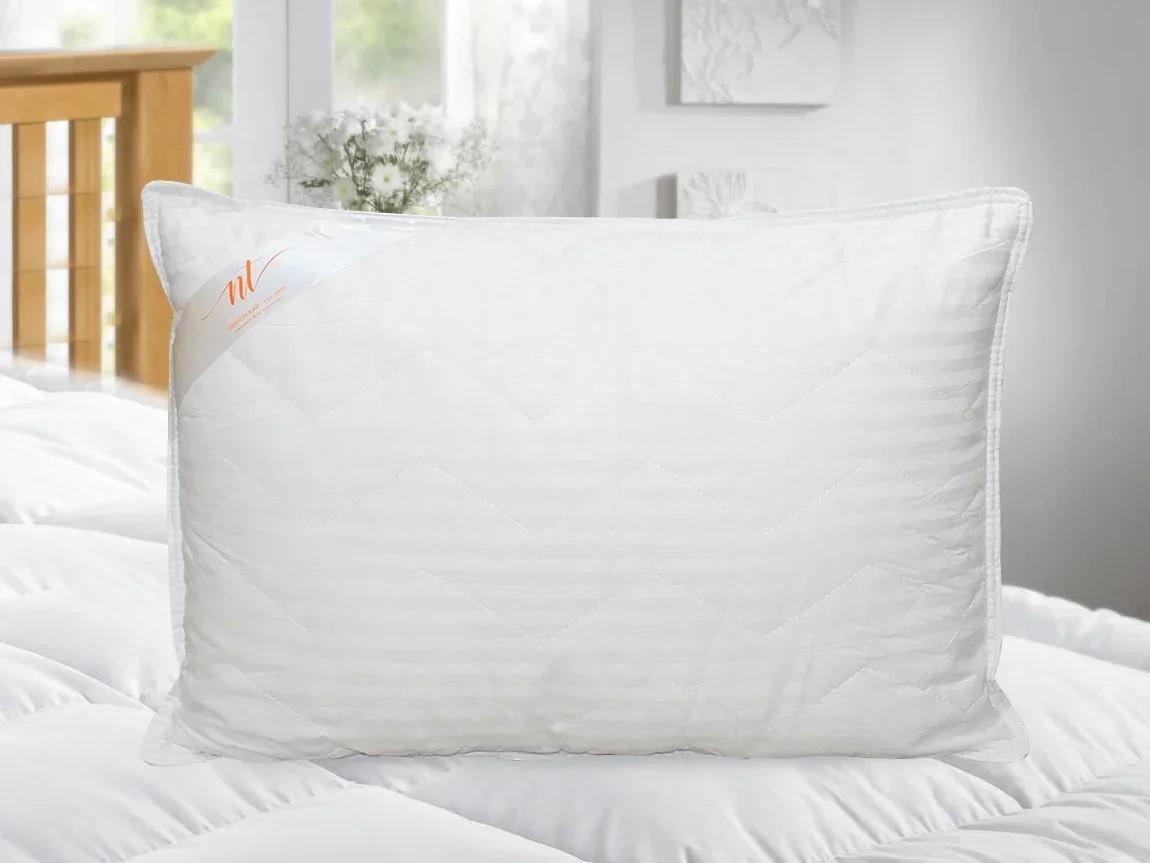 Подушка Colleen средняя (68х68)