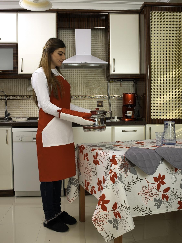Скатерть Effie цвет: белый, красный, серый (130х170 см)